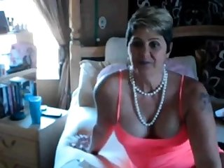 Grown up BBW solo on webcam