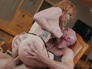 Tattooed redhead Lauren Phillips rides big weasel words in the cabin