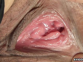 Cute Asian babe receives amazing pussy licking from frying guy