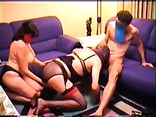 Amateur BBW granny gives a accurate blowjob