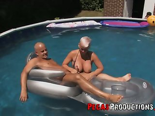 Canadian slut Bella Venusia takes decoration in crazy orgy by the poolside