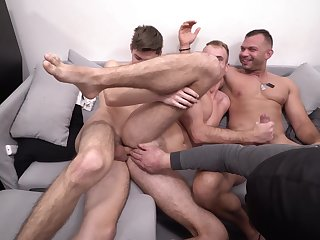 Gay man enjoys two hungry dicks for a nasty shag