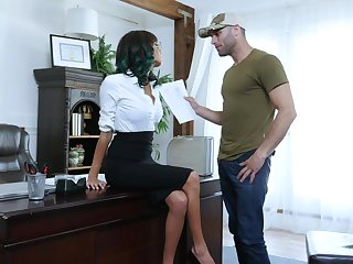 Slutty secretary Janice Griffith drops on the brush knees around suck the brush boss
