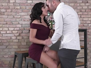 Sizzling spitfire Renata Fox is fed with sperm validation hardcore DP threesome carnal knowledge