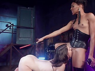 Dominant female ass fucks her depending unsubtle in good shape makes her eat pussy